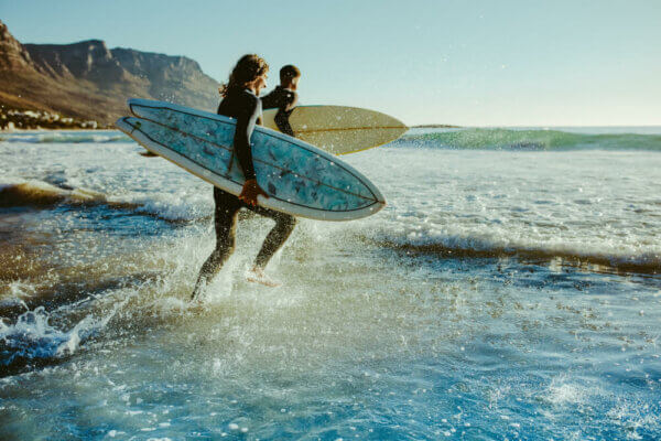 Comment réparer sa planche de surf - École de surf hastea
