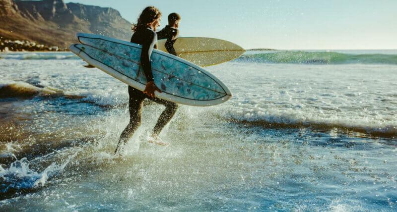 Comment réussir la réparation de votre planche de surf ?